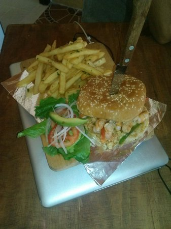Hey Cocina Nayarit: Hamburguesa de camaron.