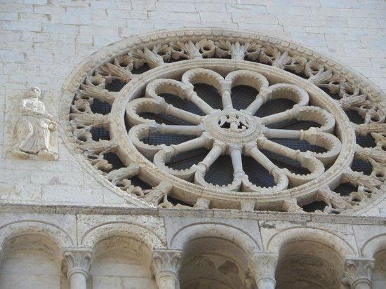 Basilica Papale San Francesco D'Assisi: Close up
