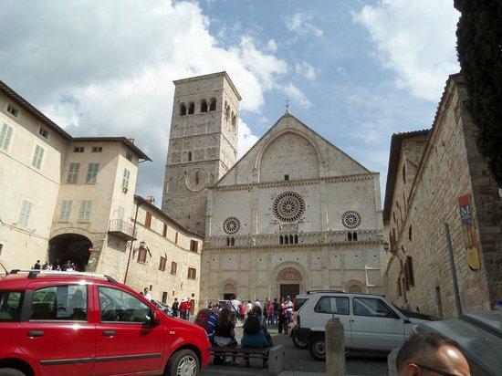Basilica Papale San Francesco D'Assisi: Exterior