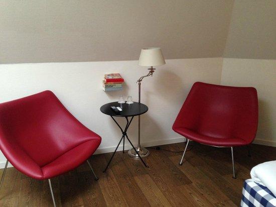 Townhouse Hotel Maastricht: Zithoekje in de kamer