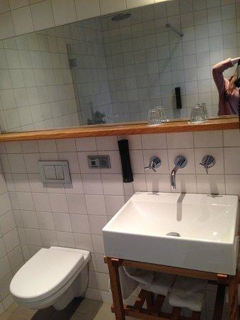 Townhouse Hotel Maastricht: Badkamer