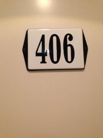 Townhouse Hotel Maastricht: Ons kamernummer (extra grote kamer helemaal vanboven met dakraam)