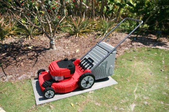 Naples Botanical Garden : Lawn Mower made with 13,704 bricks