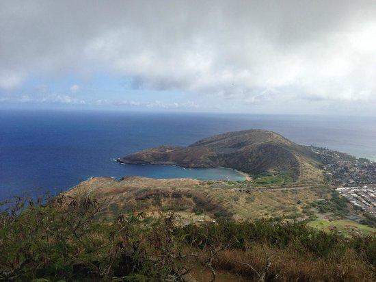 Koko Crater Trail: View of Hanauma Bay