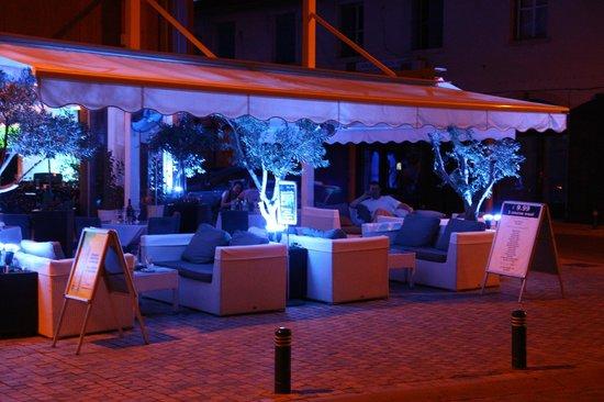Livadhiotis City Hotel: Hotel Bar