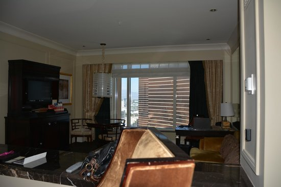 The Palazzo Resort Hotel Casino: living room area