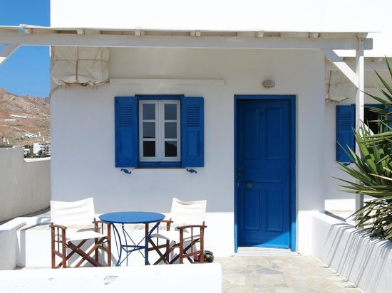 Aeolos Rooms: Entrance to your studio