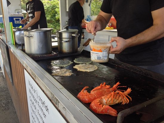 Kaikoura Seafood BBQ Kiosk: The Seafood Kiosk's al fresco kitchen