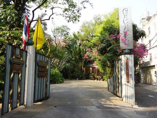 Ariyasomvilla : Hotel entrance
