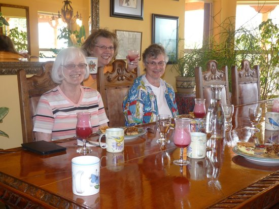 Down By The River Bed And Breakfast : Two wonderful ladies we met (& Angie!!)