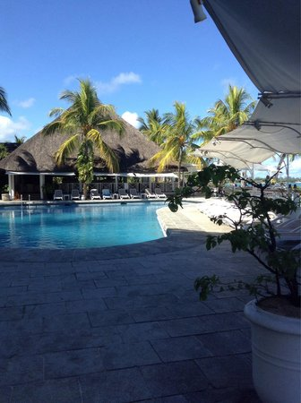 Merville Beach Hotel: Piscine