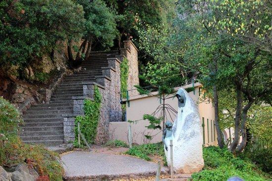 Montserrat Monastery : Up the path a ways