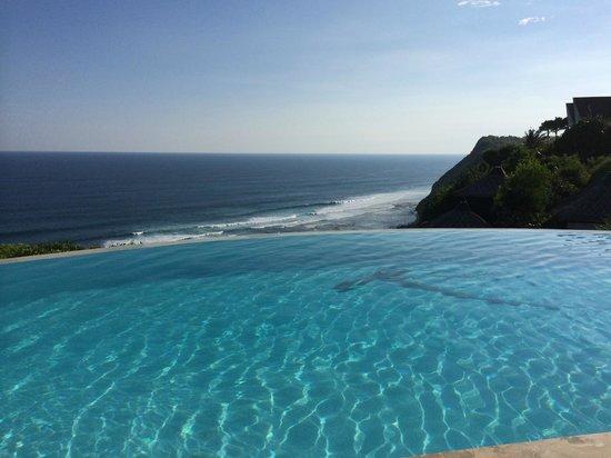 Karma Kandara: Pool time