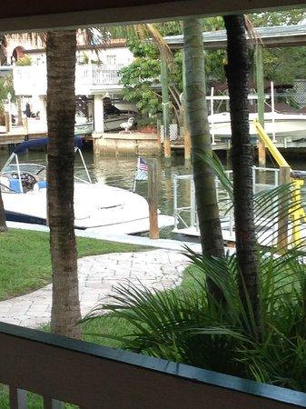 Matanzas Inn: Motel view in back