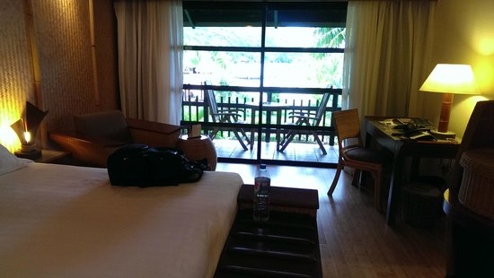 InterContinental Moorea Resort & Spa : Standard room in main building.