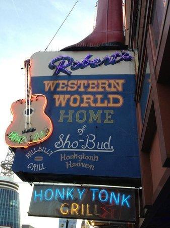 Robert's Western World: Roberts!