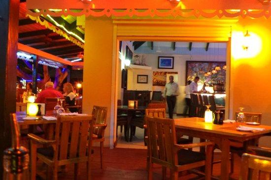 Caicos Cafe Bar & Grill : nice