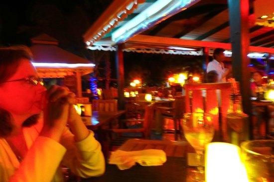 Caicos Cafe Bar & Grill : lights