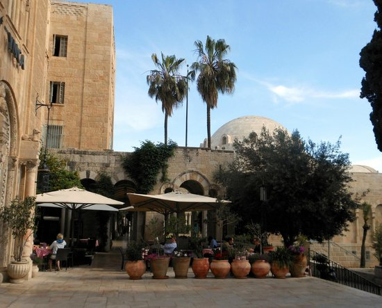Jerusalem International YMCA, Three Arches Hotel: View of the hotel's restaurant patio