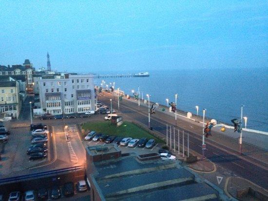 Hilton Blackpool Hotel: Seaview from Room 625