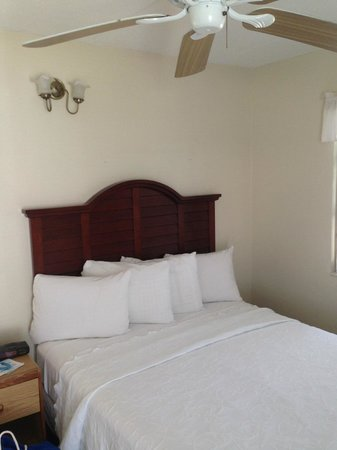 Matanzas Inn: Villa bed