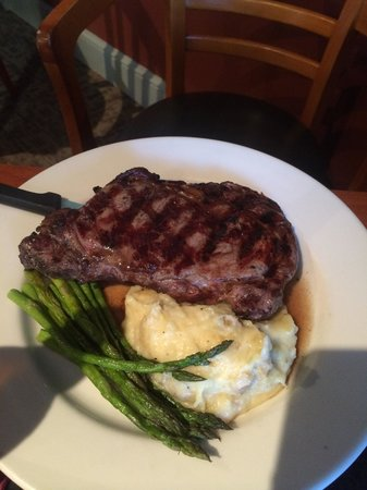 Fireside Tavern: Delmonico steak
