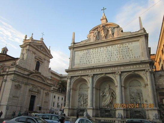 City Wonders: Kirche Santa Maria di Vittoria