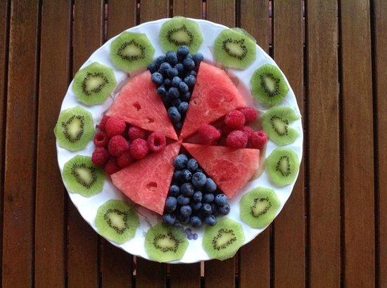 Magnetic Sunsets B&B : More amazing fruit
