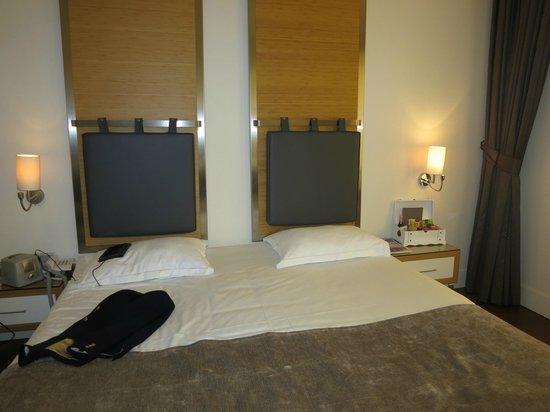 TAV Airport Hotel: executive room landside