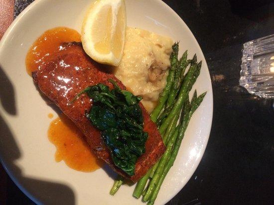 Fireside Tavern: Apricot salmon