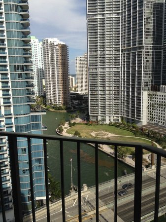 Hyatt Regency Miami : Miami Suite - Room View