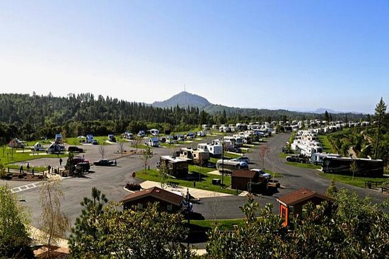 Jackson Rancheria RV Park: View of the Overall Park