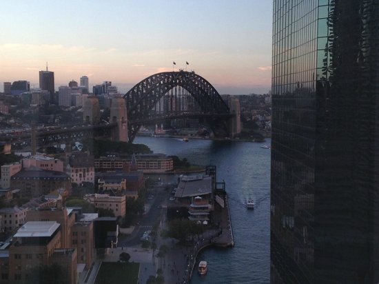 Sydney Harbour Marriott Hotel at Circular Quay : The bridge from the view