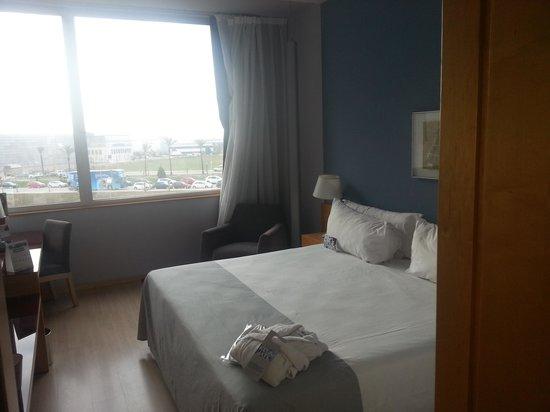 Tryp Barcelona Aeropuerto Hotel: nice clean hotel in Barcelona