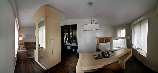 Andaz Wall Street: Suite: Pano view of room