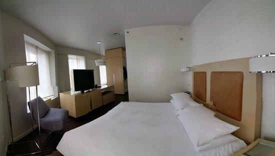 Andaz Wall Street: Suite: bedroom