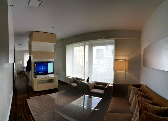 Andaz Wall Street: Suite: View from living room
