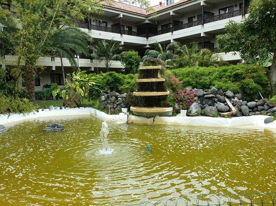 Parque San Antonio: HERMOSOS JARDINES MUY BIEN CUIDADOS