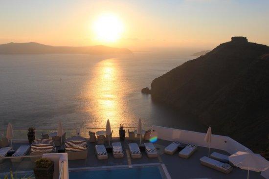 Belvedere Santorini: Sunset