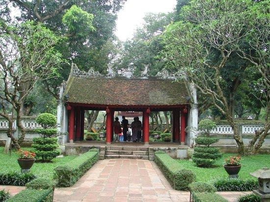 Temple de la Littérature de Hanoï : Gateway in The Temple of Literature