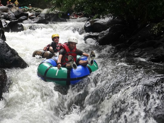 Hacienda Guachipelin: River tubing