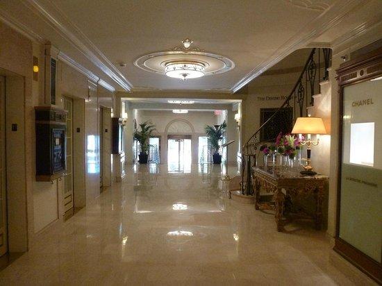 Taj Boston : grand lobby