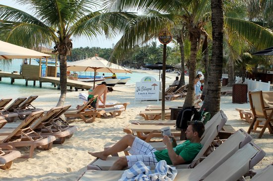 Infinity Bay Spa and Beach Resort: Lounging on the beach in the morning