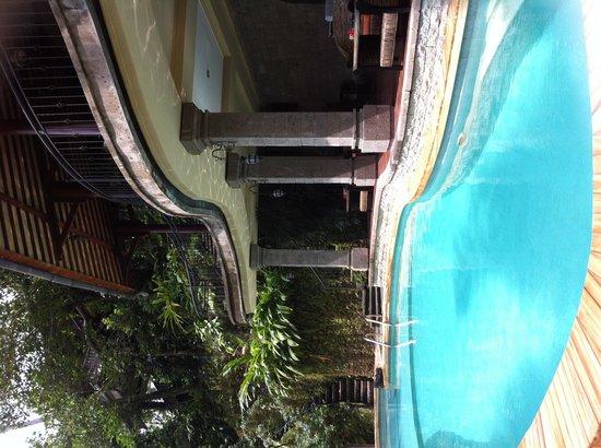 ONEWORLD retreats Kumara: Beautiful pool area