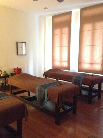 Coran Boutique Spa: Spa room can fit for 3 people