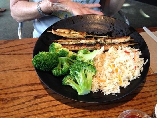 The Shwack Beach Grill: chicken kabob , reic and broccoli