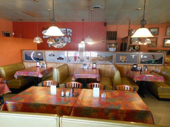 Silver Moon Cafe: Interior