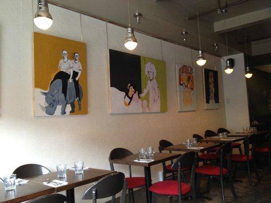 La Gueule de Bois : Artwork at the restaurant