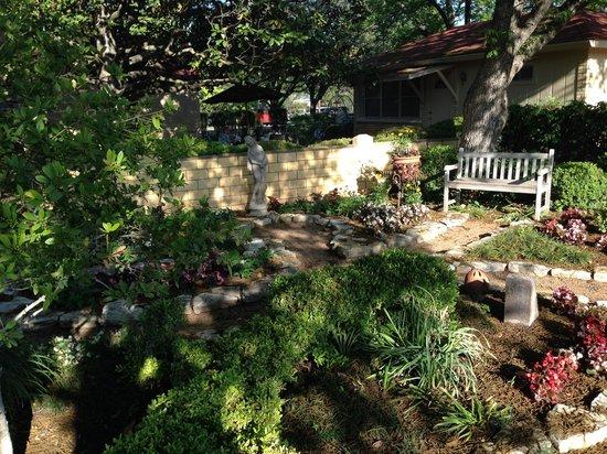 Das Garten Haus Bed and Breakfast: A view of the garden