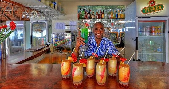 CoCo Beach Resort : Bar